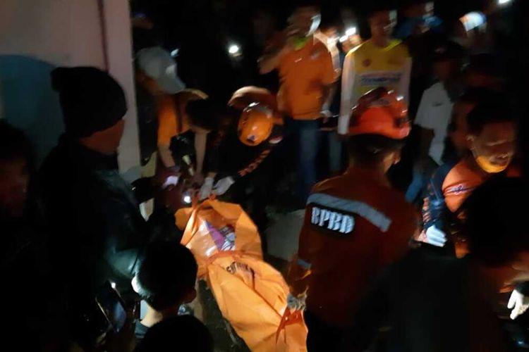 Warga Tasikmalaya kembali dihebohkan dengan penemuan mayat pria di sebuah empang ikan lele di Kampung Cibuyut, Kelurahan Karanganyar, Kecamatan Mangkubumi, Kota Tasikmalaya, Sabtu (8/2/2020) malam.