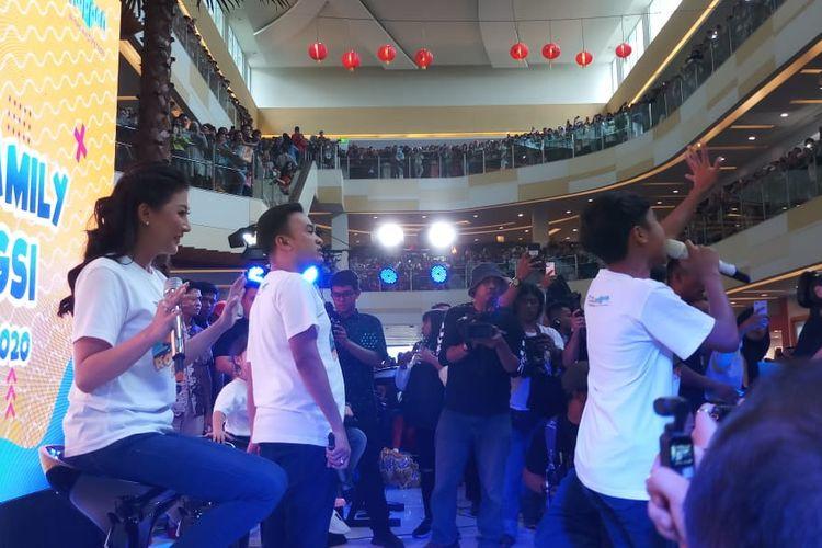 Suasana panggung Onsu Family di Metropolitan Mall Cileungsi, Bogor, Jawa Barat, Sabtu (25/1/2020).