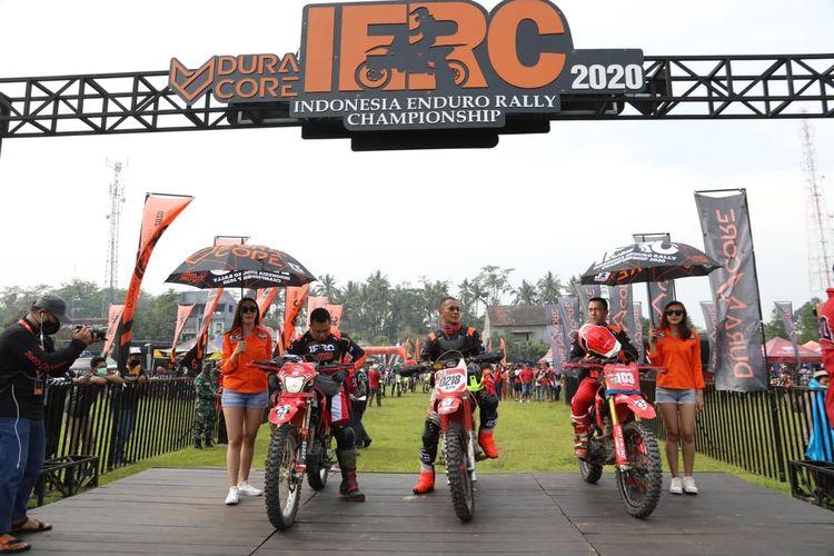 Para pebalap pada ajang Ajang balap Duracore Indonesia Enduro Rally Championship (IERC) 2020.
