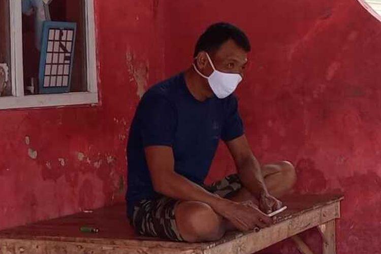Gani (43), suami A, TKI asal Kecamatan Pedes, Karawang yang terpapar virus corona B.1.1.7.