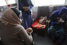 Ibu Ini Susui 20 Bayi yang Ditinggal Mati Ibu Mereka akibat Pembantaian di Kabul