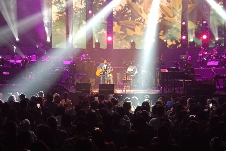 Glenn Fredly tampil dalam konser bertajuk Harmonia: Titik Balik di Balai Sarbini, Plaza Semanggi, Jakarta Pusat, Kamis (14/2/2019).