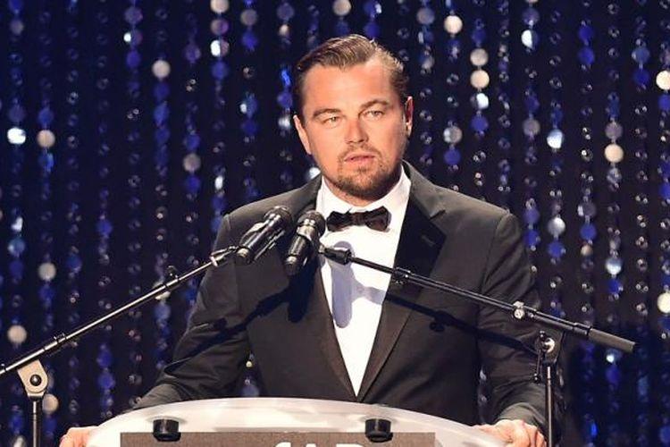 Aktor Leonardo DiCaprio berbicara di perhelatan amfAR 23rd Cinema Against AIDS Gala di Hotel du Cap-Eden-Roc di Cap dAntibes, Perancis, Kamis (19/5/2016).