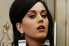 Katy Perry Berpeluang untuk Pindah ke Biara Katolik di Los Angeles