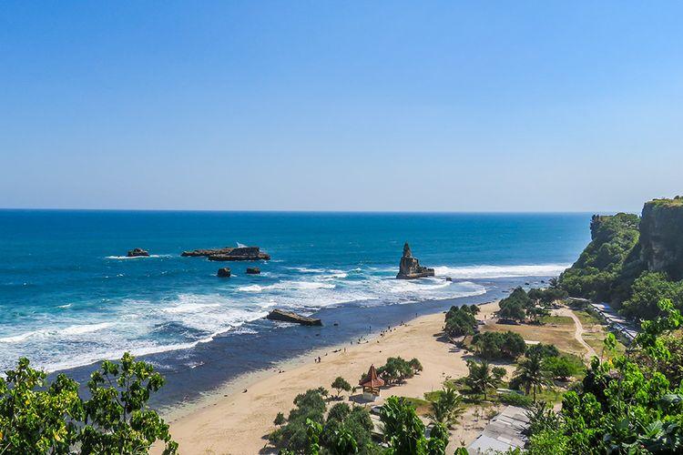 Pantai Buyutan. Salah satu pantai indah di Kabupaten Pacitan, Jawa Timur.