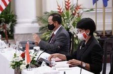 Indonesian FM: Joint Efforts Needed for Global Economic Recovery amid Pandemic