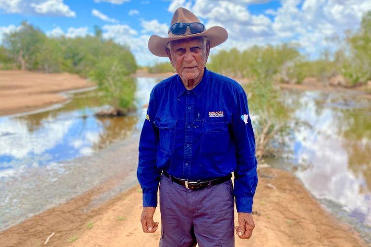 Warga suku Karajarri Nyangumarta, Stephen Stewart, merupakan pria Aborigin tertua di Australia. [James Liveris Via ABC Indonesia]