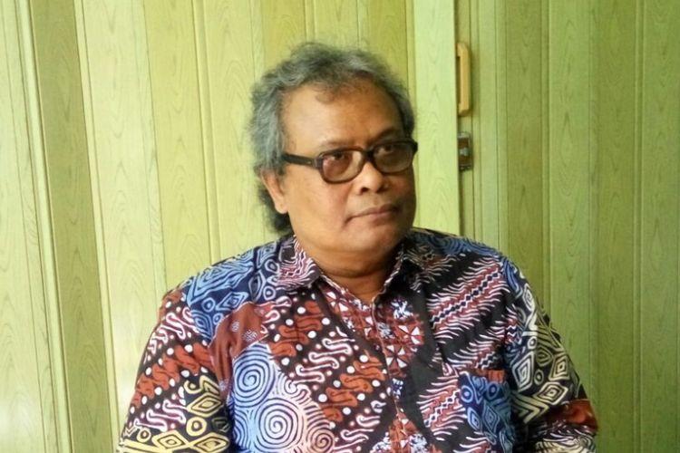 Dosen Sekolah Pascasarjana Universitas Gadjah Mada (UGM) Bagas Pujilaksono Widyakanigara saat memberikan keterangan kepada media terkait surat terbuka.