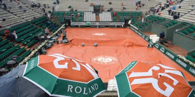 Arena pertandingan turnamen tenis French Open di Rolland Garros.