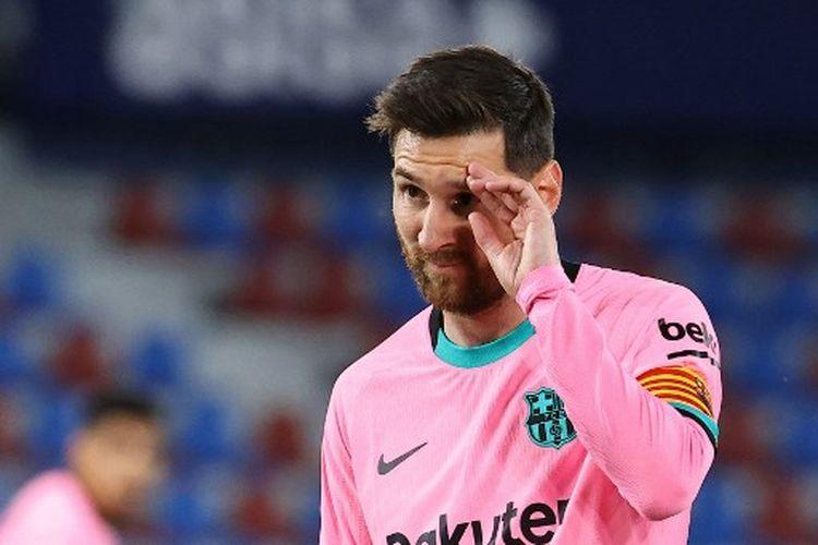 Eksrpesi Lionel Messi pada laga pekan ke-36 Liga Spanyol yang mempertemukan Levante vs Barcelona di Stadion Ciutat de Valencia, Rabu (12/5/2021) dini hari WIB.