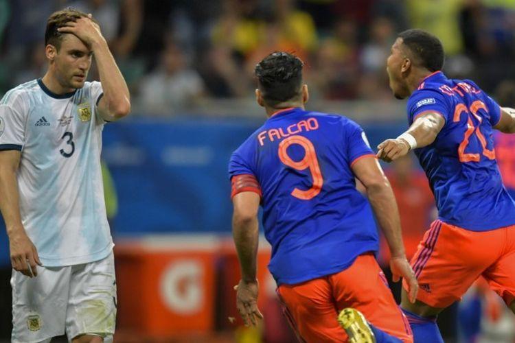 Roger Martinez merayakan golnya pada pertandingan Argentina vs Kolombia dalam ajang Copa America 2019 di Fonte Nova Arena, Salvador, 15 Juni 2019.