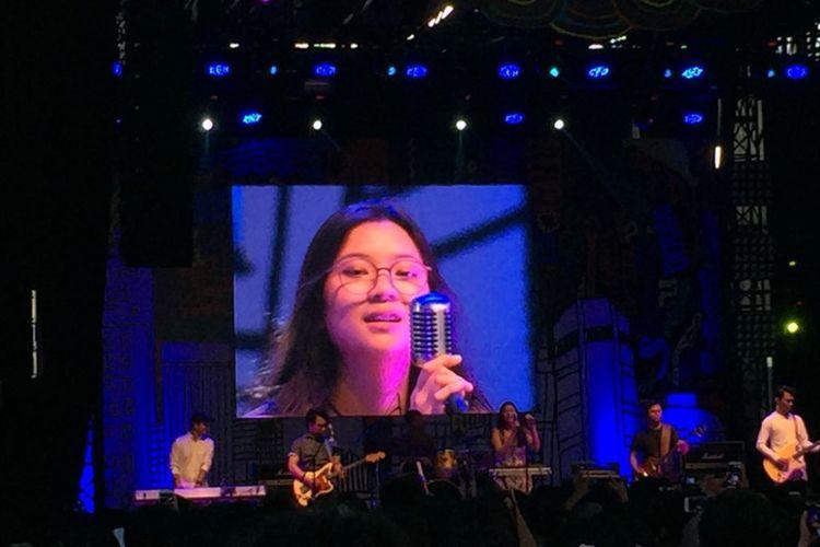 Danilla tampil pada hari ketiga Syncronize Fest 2017 di Gambir Expo Kemayoran, Jakarta, Minggu (8/10/2017).