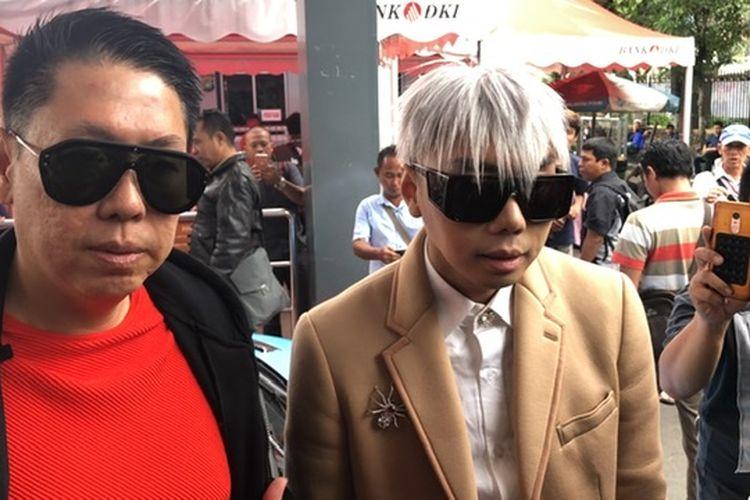 Roy Kiyoshi dan Henry Indraguna saat ditemuk di Polda Metro Jaya, Jakarta Selatan, Kamis (14/11/2019).