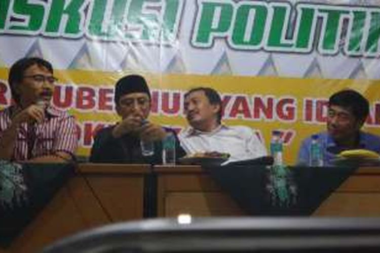 Mantan Menpora Adhyaksa Dault, ulama Yusif Mansyur, dan Wakil Ketua DPRD DKI Abraham Lunggana hadir dalam sebuah diskusi bertema Pilkada DKI 2017 di kawasan Matraman, Jakarta Timur, Kamis (21/4/2016).