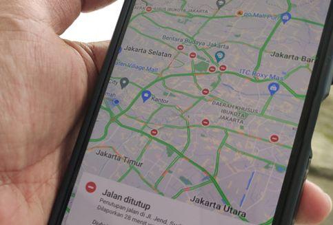 Tips Mengemudi Sambil Pakai Peta Digital