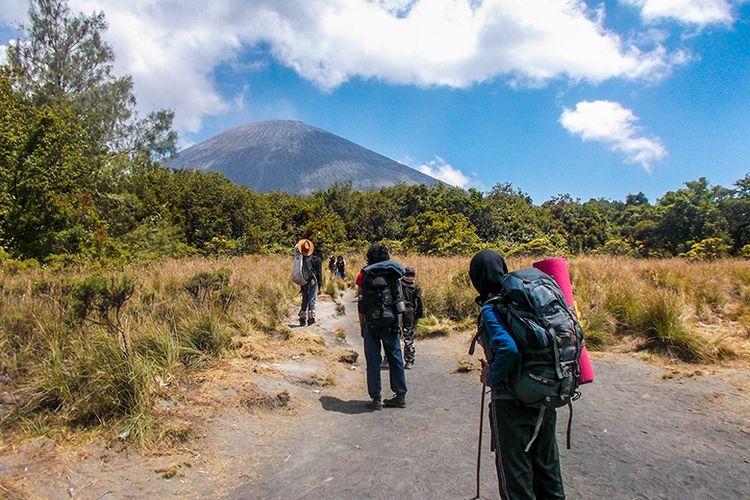 Pendakian Menuju Gunung Semeru.