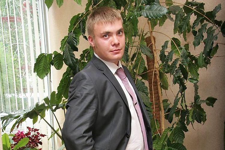 Mikhail Zakharov (33) pengawal Presiden Rusia Vladimir Putin dikabarkan tewas bunuh diri menggunakan pistol saat bertugas malam di Kremlin, Rusia.