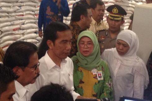 Ke Pasar Rawamangun, Jokowi Kaget Harga Beras Belum Turun