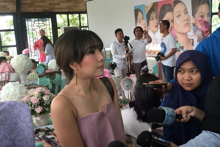 Gisella Anastasia saat menghadiri acara peluncuran produk kecantikan di sebuah tempat di Kebayoran Baru, Jakarta Selatan, Kamis (12/4/2018).