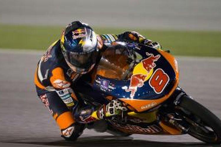 Pebalap Moto3 asal Australia Jack Miller memacu motornya di Sirkuit Losail pada GP Qatar, Minggu (23/3/2014).