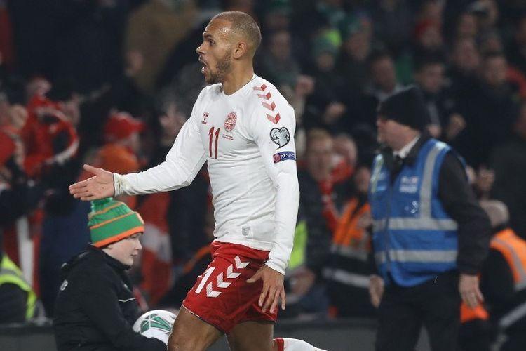 Penyerang Denmark, Martin Braithwaite, berselebrasi setelah mencetak gol pembuka pada pertandingan Grup D Kualifikasi Piala Eropa 2020 antara Republik Irlandia dan Denmark di Aviva Stadium, Dublin, pada 18 November 2019.