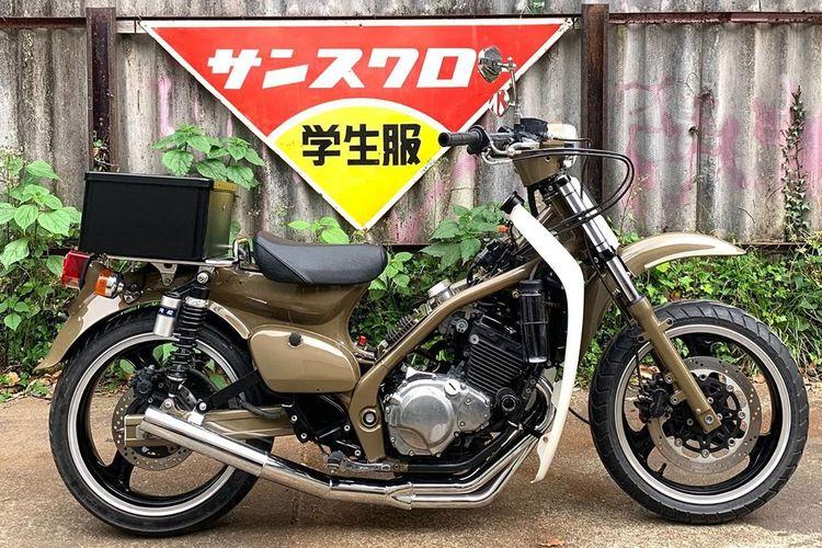 Tren modifikasi motor bebek gendong mesin 250 cc 4-silinder di Jepang yang diberi nama Crazy Cub
