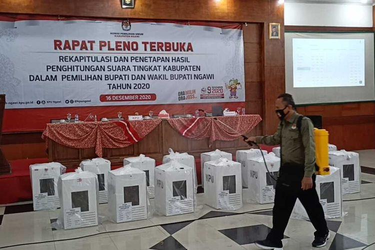 KPU Ngawi memastikan pasangan cakal calon Bupati Ngawi dalam pilkada serentak 2020 Ony – Antok menang dengan memperolah suara 471.082 suara atau 94,42 persen.