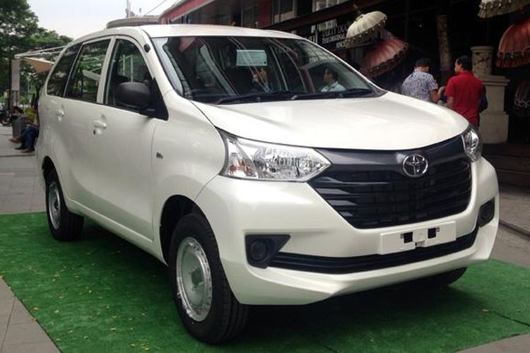 Varian termuah Avanza disebut Toyota Transmover.