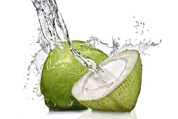 Ilustrasi kelapa muda, air kelapa muda.
