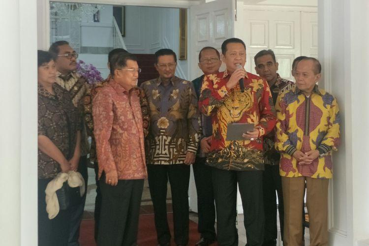 Wakil Presiden Jusuf Kalla menerima kunjungan Pimpinan MPR