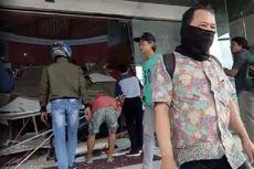 Polisi Selidiki Penyebab Ambrolnya Plafon Lottemart di Bekasi Junction