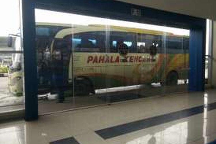 Terminal Pulo Gebang, Jakarta Timur. Gambar diambil Selasa 27/12/2016)