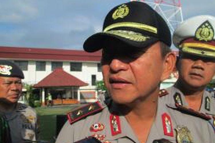 Kapolda Bali Irjen Polisi Albertus Julius Benny Mokalu saat gelar apel Operasi Zebra Agung 2014, Denpasar, Rabu(26/11/2014)