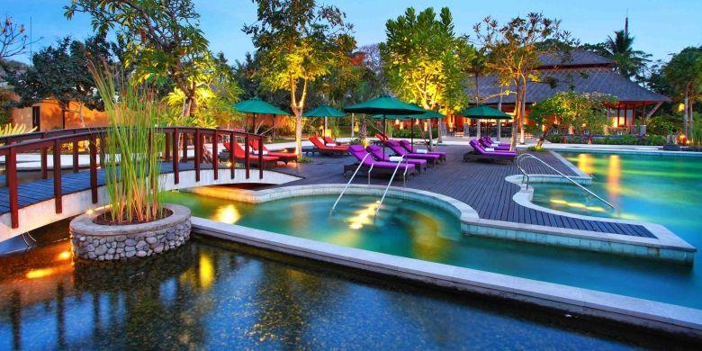 Amarterra Villa dirancang dengan pendekatan arsitektural tradisional Jawa.