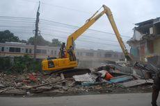Tak Punya IMB, Sejumlah Bangunan di Bojong Gede Dibongkar