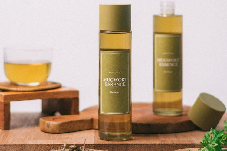 Produk skin care Mugwort Essence dari Im From.