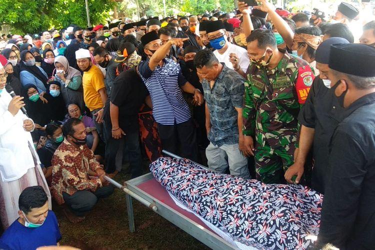 Mantan Bupati Indramayu, Jawa Barat, Irianto MS Syafiuddin, tutup usia, Minggu (16/8/2020) pukul 09.15 WIB.