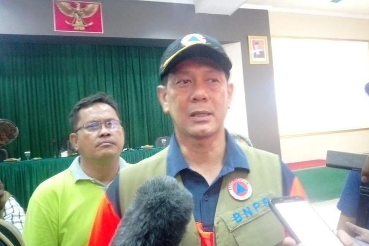 Kepala Badan Nasional Penanggulangan Bencana (BNPB) Doni Monardo saat diwawancarai di aula Korem 151 Binaya, Ambon, Minggu (27/10/2019).