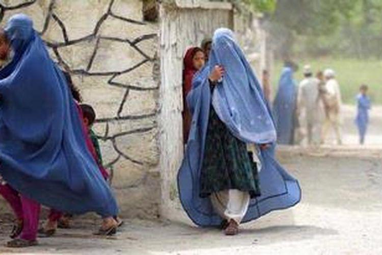 Di Afganistan hubungan antara perempuan dan pria sebelum mereka menikah adalah sesuatu yang tabu.