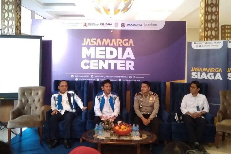 Direksi Jasa Marga dan Kepolisian saat sampaikan persiapan Lebaran 2018 di Kantor Cabang Jasa Marga Jakarta-Cikampek, Kamis (11/04/2018)