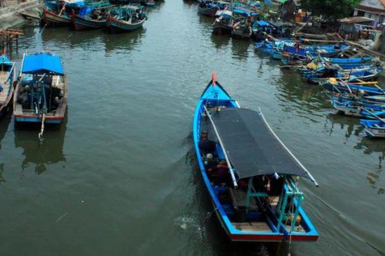 Ilustrasi perahu motor