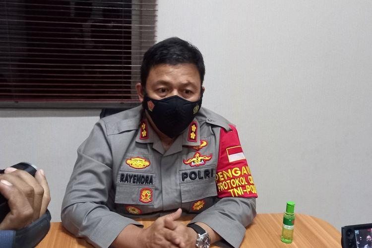 Kapolres Lebak AKBP Teddy Rayendra angkat bicara terkait penolakan belasan Warga Negara Asing asal (WNA) China yang ditolak vaksinasi di Klinik Polres Lebak, Selasa (29/6/2021).