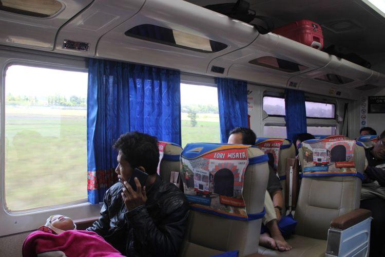 PT Kerata Api Indonesia (KAI) Daerah Opersional (Daops)9 mengurangi empat perjalanan kereta api yang berangkat dari wilayah operasinya