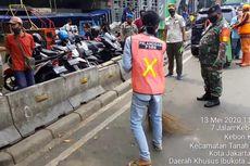 Sanksi Kerja Sosial Mulai Berjalan, 6 Pelanggar PSBB Dihukum Bersihkan Trotoar Tanah Abang