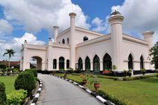 Istana Siak Indrapura, Udang Galah, dan Durian...