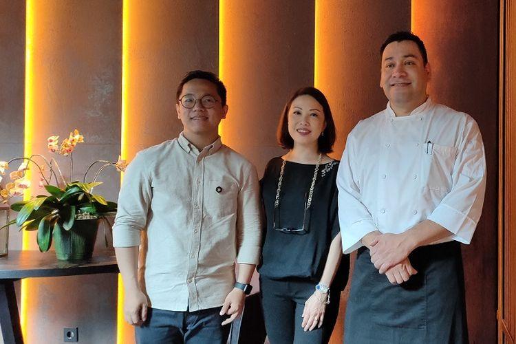 Pengisi acara Grand Opening The Front Room Bistro & Bar, yaitu Ritter Willy Putra, Widji Darmawan, dan Gerardo Milan, Kamis (6/2/2020).