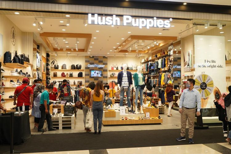Toko perdana Hush Puppies di Bogor berlokasi di mal AEON Sentul City.