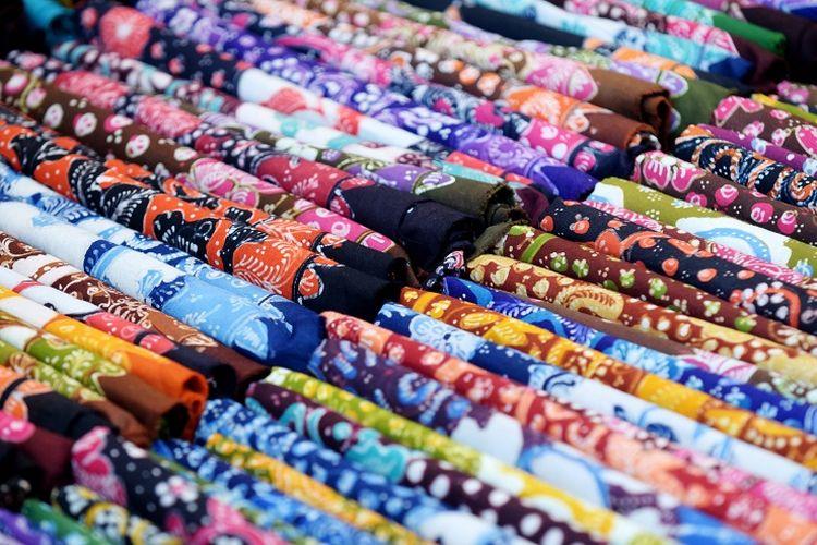 Ilustrasi batik - Batik Lasem.