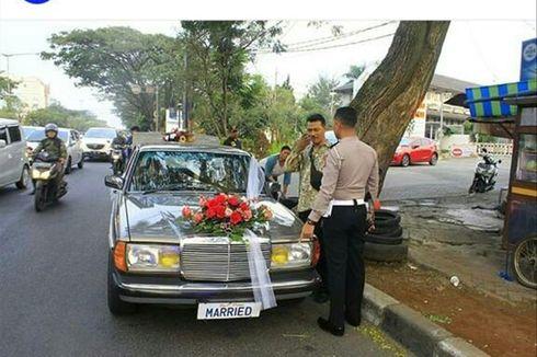 Viral Foto Polisi Berhentikan Mobil Pengantin di Bandung, Begini Penjelasannya