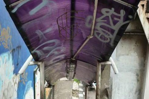 Melihat Kondisi JPO di Jalan Letjend Suprapto yang Memprihatinkan